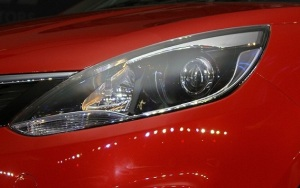 Tata-Bolt-headlight (2)