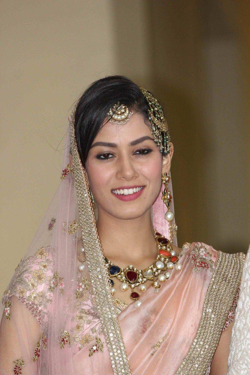Exclusive Mira Rajputs Wedding Jewellery that added glitz and