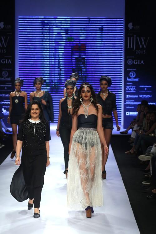 Show Stopper Aditi Arya